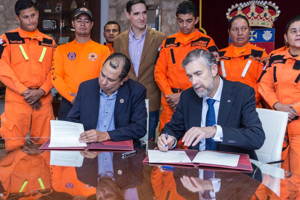 La UBU forma a profesionales panameños en protección civil