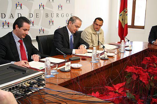 Convenio de colaboración con las empresas EXCAVACIONES SAIZ y URAZCA CONSTRUCCIONES