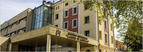 "Residencia Universitaria ""Camino de Santiago"""