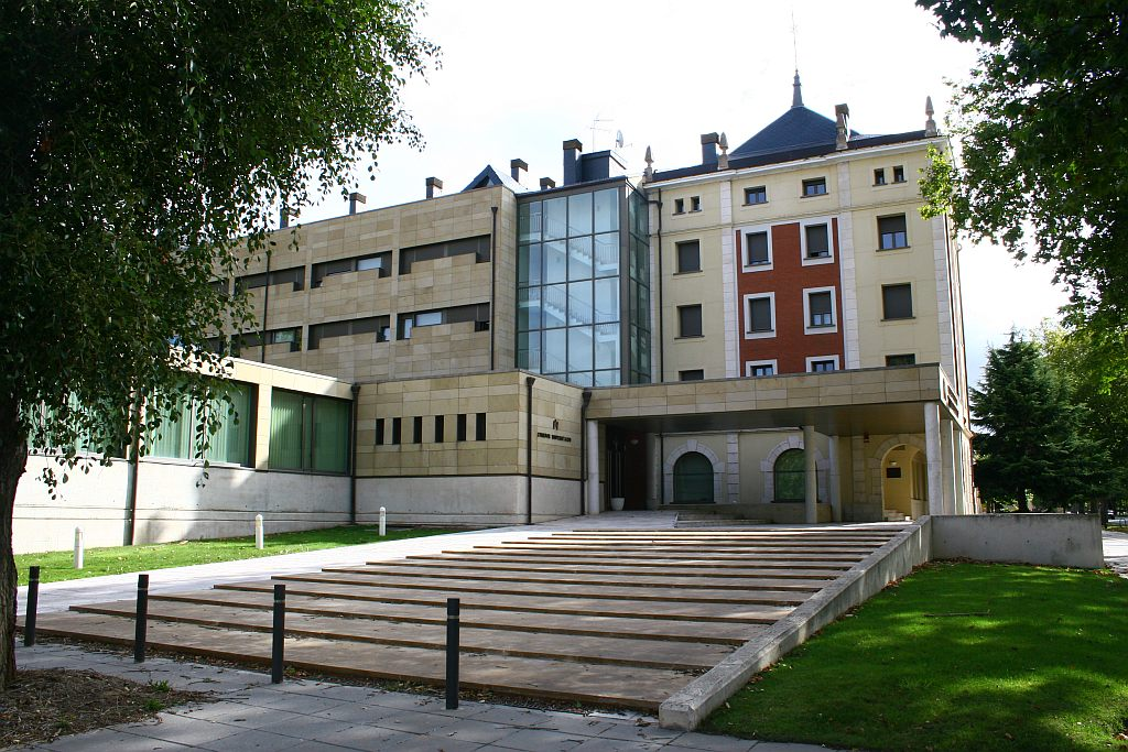 Residencias universidad de burgos for Alojamiento para universitarios