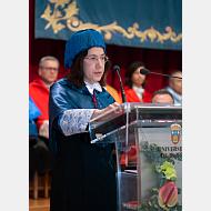 Dra. María Dolores Busto Núñez, madrina, momento de la Laudatio