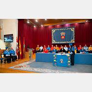 La doctora Margarita Salas Falgueras sentada en la silla de la sabiduria