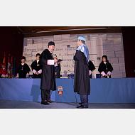 Juan José Laborda presta juramento ante el rector