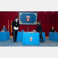 La Consejera de Educación visa el acta de toma de posesión del rector de la Universidad de Burgos