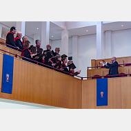 Intervención del coro de la Universidad de Burgos
