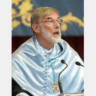 Geoffrey Parker. 2010