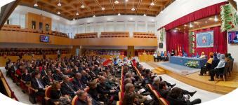 Aula Magna del Hospital del Rey. Comunidad universitaria y sociedad en general celebran la Fiesta de la Universidad
