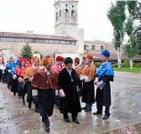Tradicional paseillo. El Rector acompañado del nuevo Doctor Honoris Causa de la Universidad de Burgos