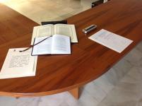 Elementos de la toma de posesión: CE, Estatutos de la Universidad de Burgos, Acta, Juramento o Promesa y Bolígrafo